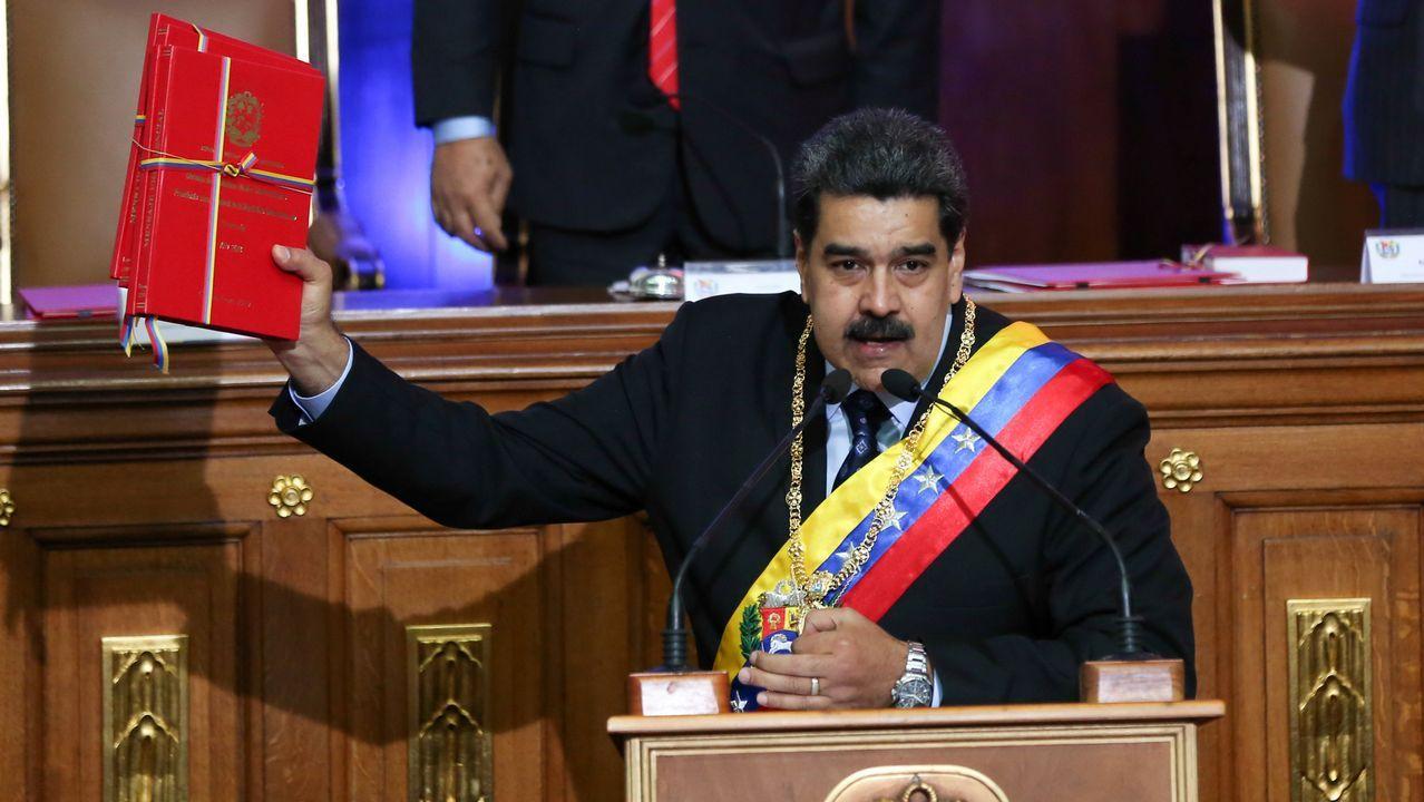 Los venezolanos no detienen su caminar hacia el exilio.Maduro durante su intervención a la Asamblea Constituyente chavista