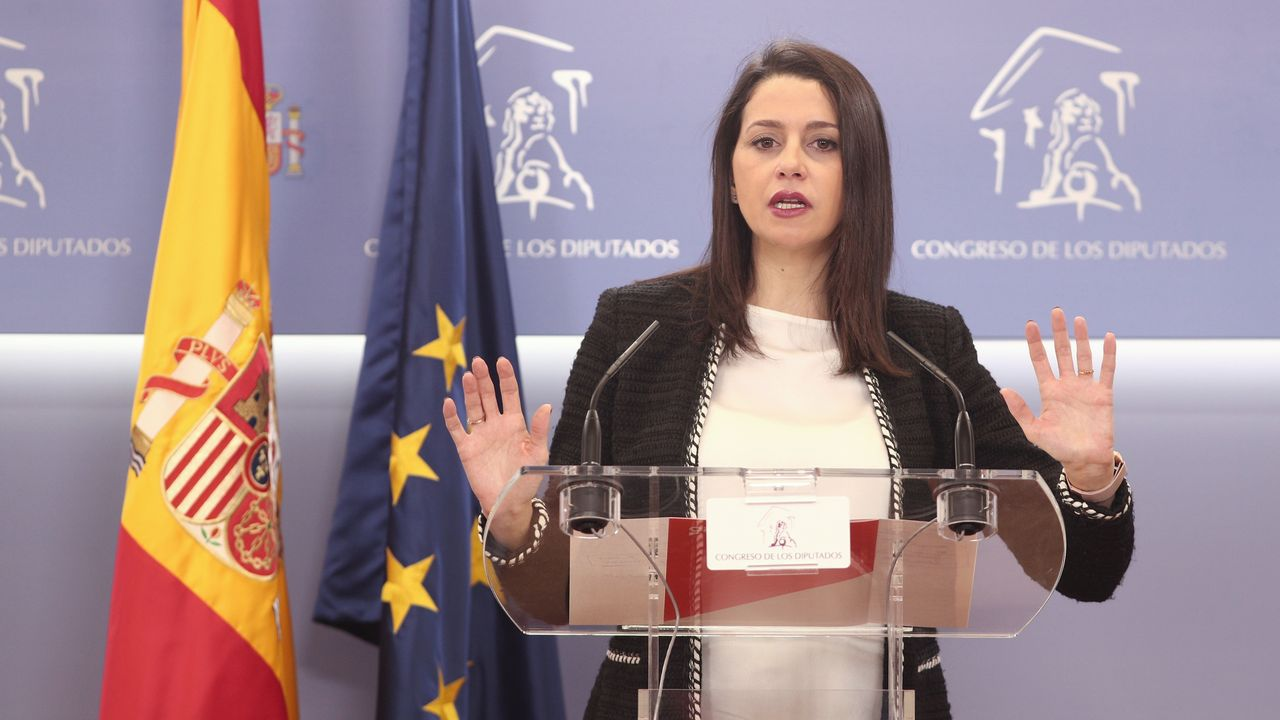 El Parlamento de Galicia logró en diciembre del 2018 el apoyo mayoritario del Congreso para debatir la transferencia de la AP-9. La convocatoria de elecciones generales para abril imposibilitó el debate que ahora se pide sea retomado por tercera vez