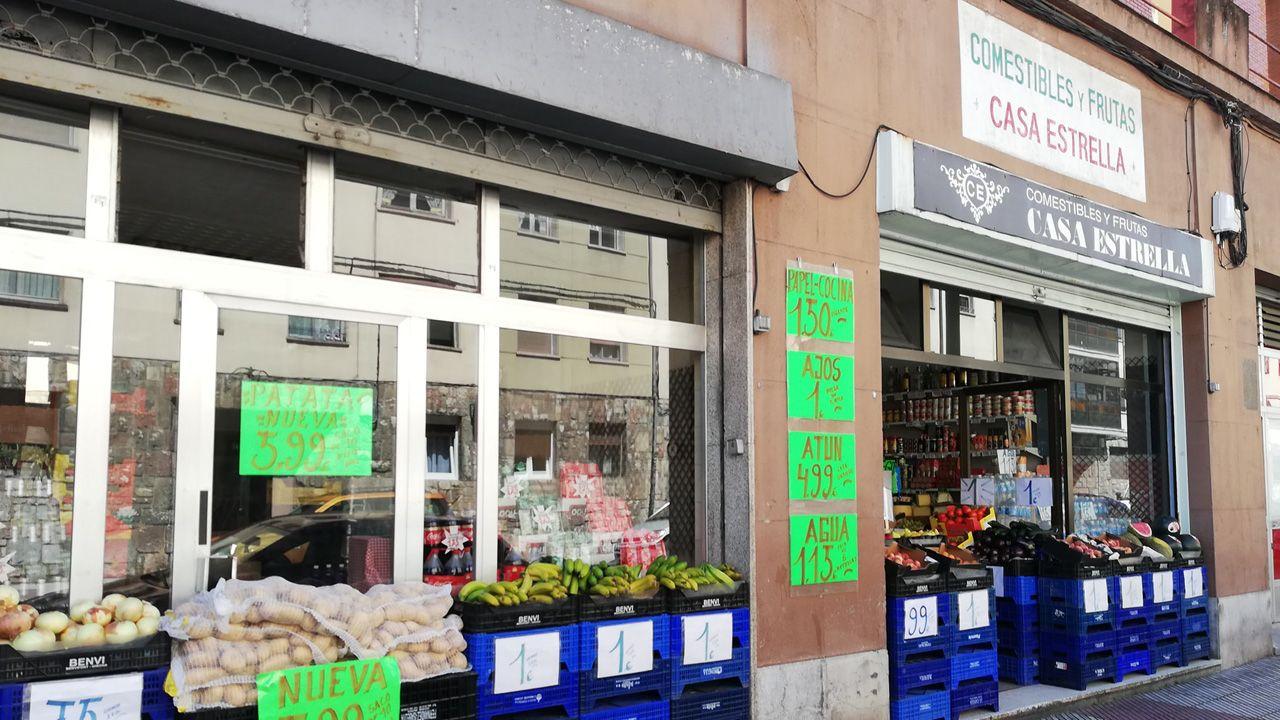 La tienda de alimentación Casa Estrella, la más veterana del ramo en el pequeño comercio de Ventanielles