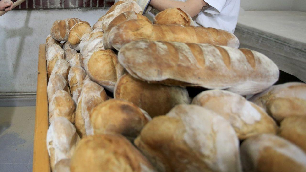 Pan elaborado en Ousá (Friol), parroquia de gran tradición en este oficio