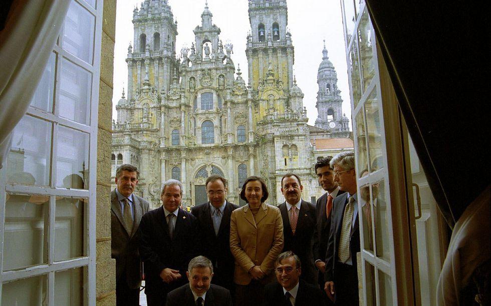 Foto de familia de los representantes de 9 ciudades
