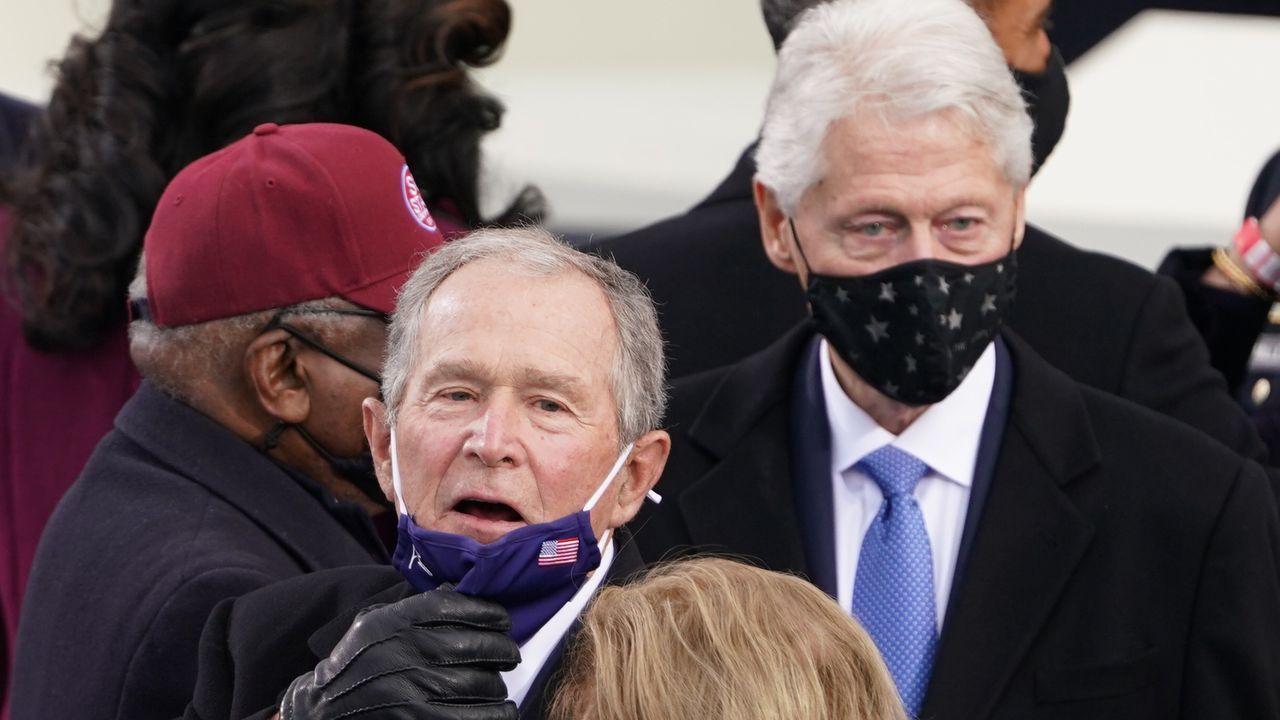 Los expresidentes George W. Bush y Bill Clinton