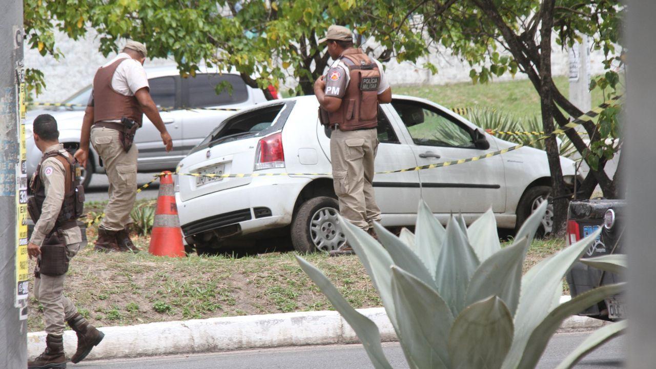 El coche en el que fue tiroteado Marcio