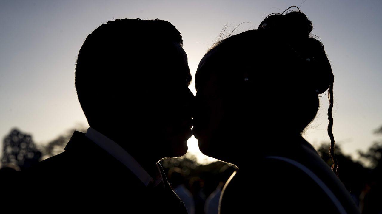 Los usuarios de la residencia de Pol mandan ánimos a sus familias.Tras el «felices para siempre» del enamoramiento, la convivencia puede reforzar o romper parejas