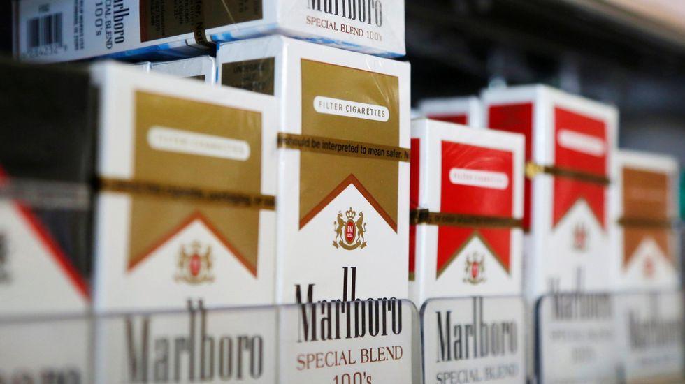 Cannabis y tabaco, un cóctel peligroso.El consejero de Sanidad del Principado, Francisco del Busto
