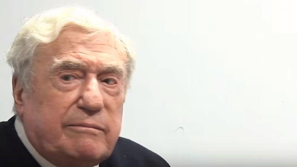 El General Manuel Fernández-Monzón reta a duelo a Willy Toledo
