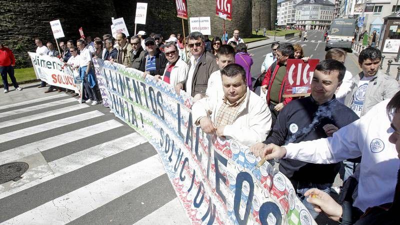 Amigos de Galicia da de comer a diario a 25.936 personas, de las que 14.175 son menores.