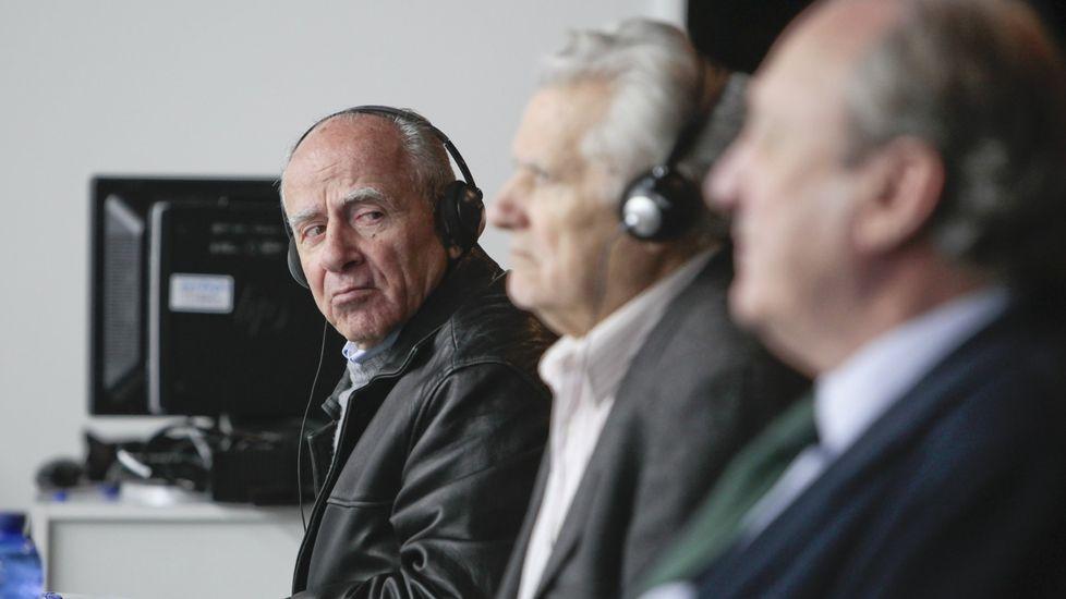 Apostolos Mangouras, a la izquierda, durante el juicio del Prestige con su jefe de máquinas y a la derecha, José Luis López-Sors, exdirector general de la Marina Mercante cuando se hundió el petrolero