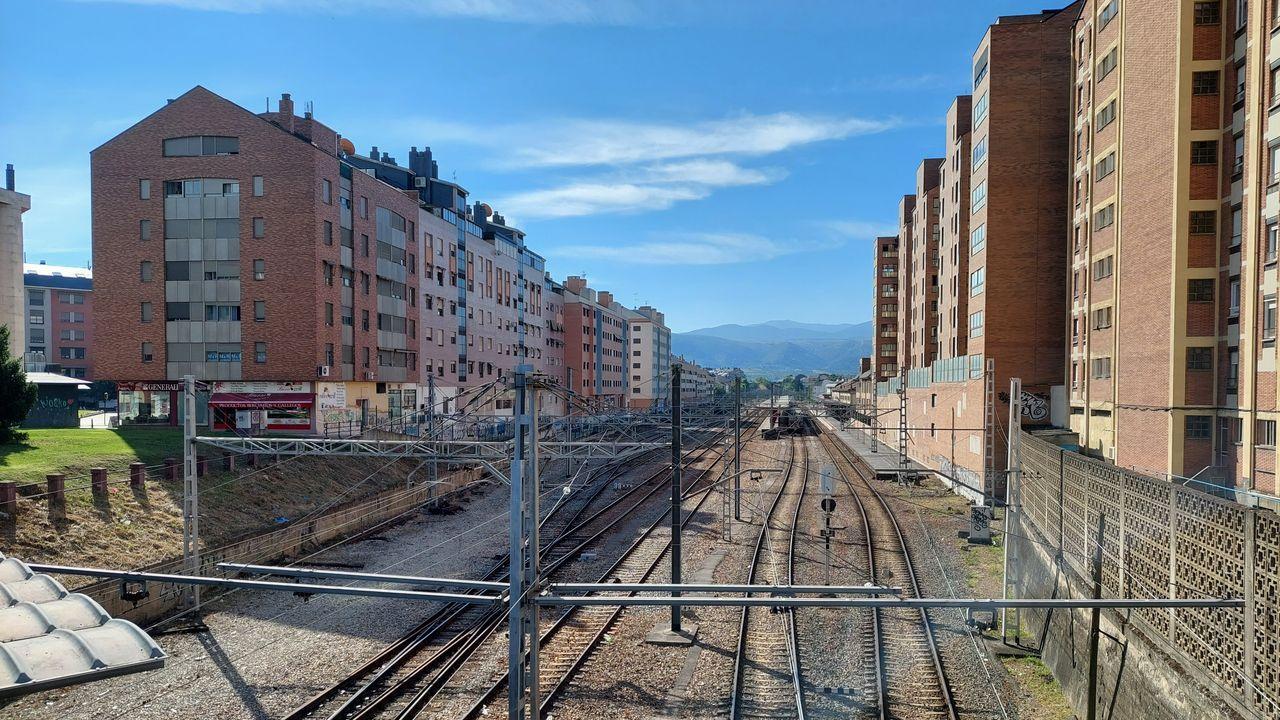 Estación de tren de Ponferrada, donde ADIF controlará el tráfico entre A Pobra do Brollón y Brañuelas y hará una plataforma logística