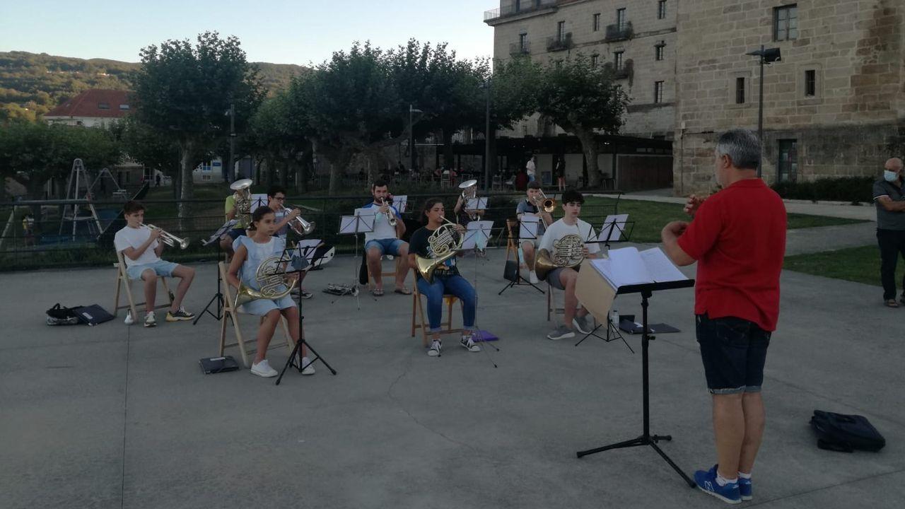 Música por sorpresa en Celanova.La Banda de Música de Celanova ha dado varios conciertos estos días