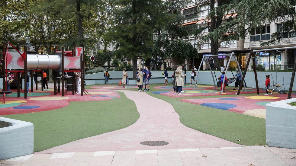 Las nuevas restricciones en la capital y O Barco.En Ourense siguen abiertos los parques infantiles