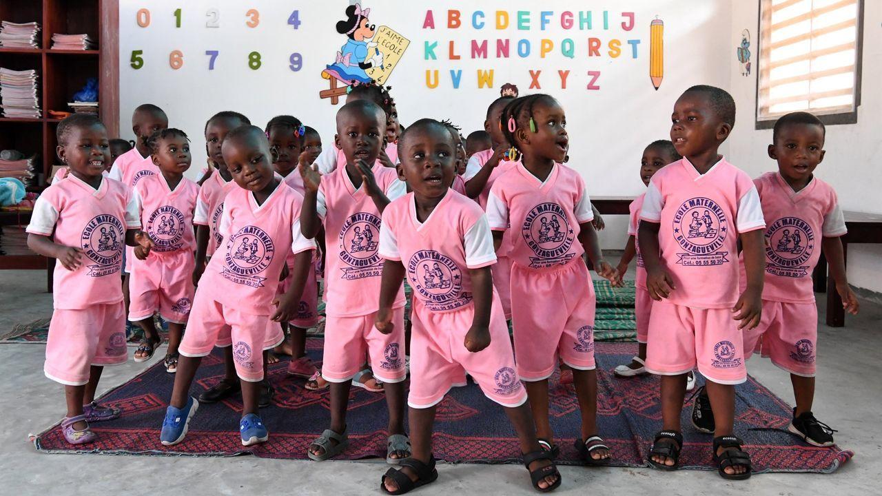Los Objetivos de Desarrollo del Milenio avanzan: la cantidad de niños en edad de recibir enseñanza primaria que no asistieron a la escuela cayó a casi la mitad