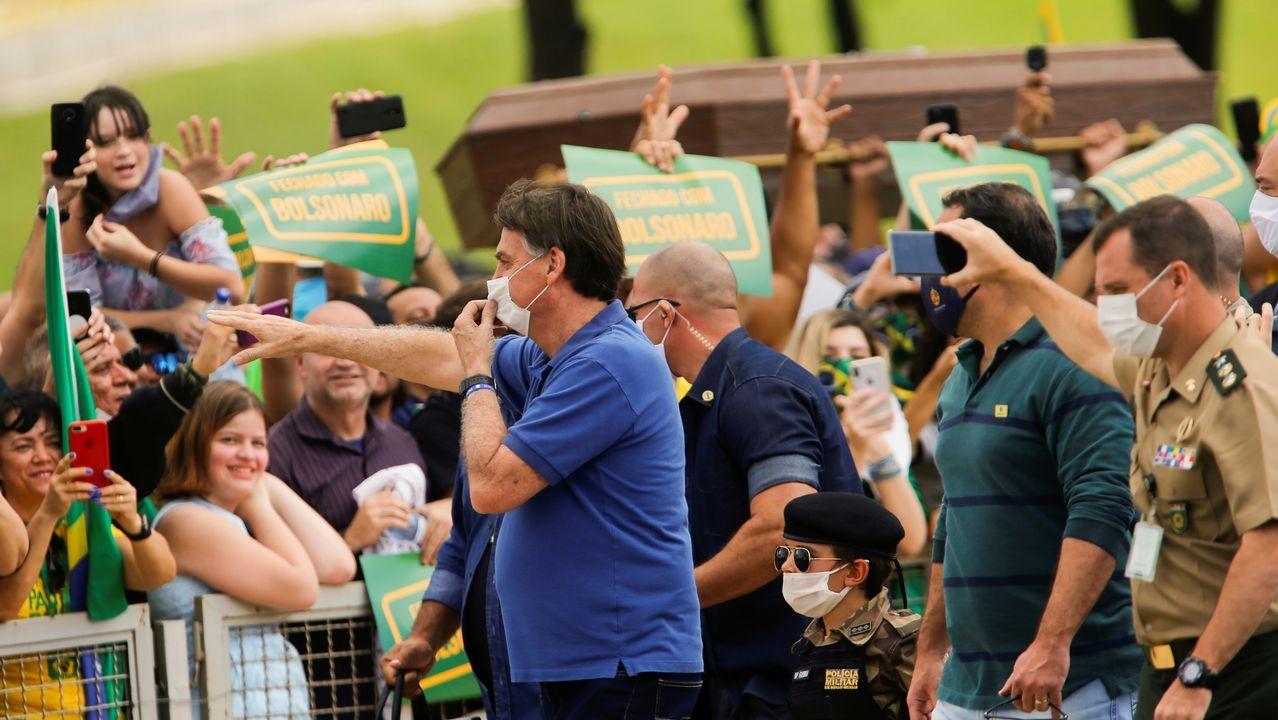 Bolsonaro y varios ministros de su gobierno acudieron a una manifestación este fin de semana. Esta vez, el líder brasileño se puso la mascarilla