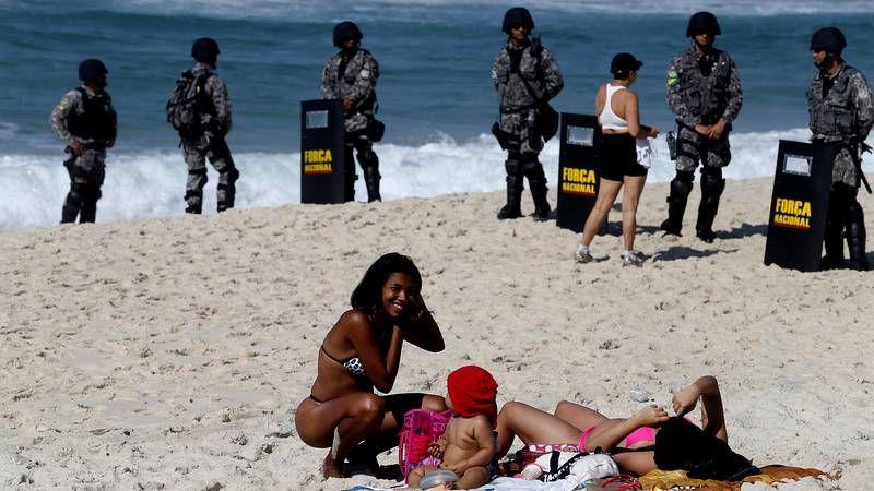 Enfrentamientos entre los manifestantes y el ejército en Brasil.Diseño virtual del flotel de Pemex que construirán Barreras y Navantia.