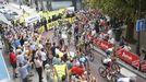 Trabajadores de Ence se manifiestanen la salida de la Vuelta a España desde Sanxenxo
