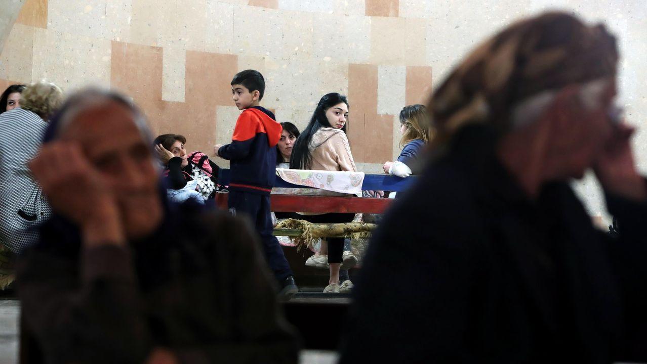 Población oculta en una base debido a los combates en Nagorno Karabaj