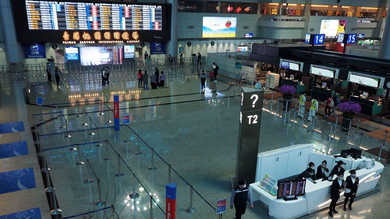 Sala de salidas del aeropuerto internacional de Taoyuán, en Taiwán, vacía por la caída de vuelos y reservas tras la crisis china del coronavirus