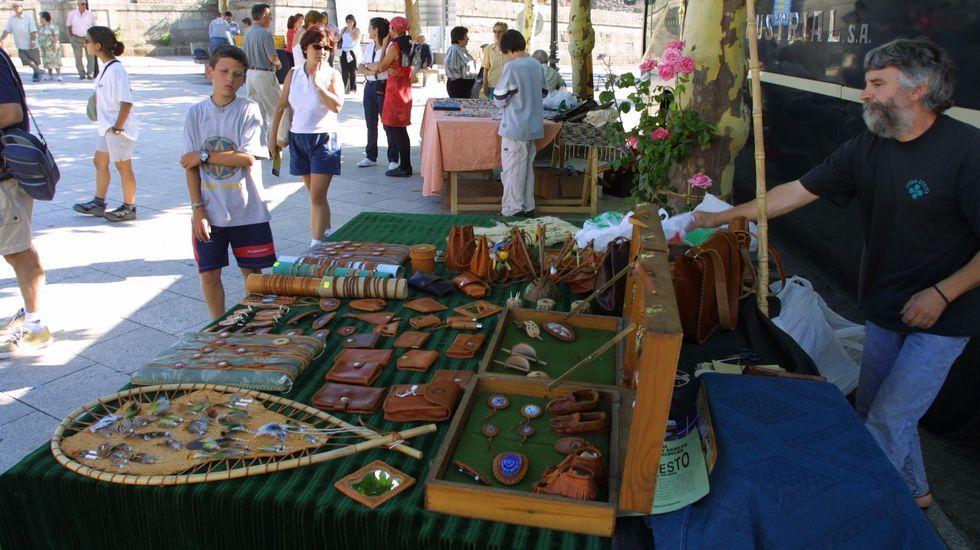 La feria de artesanía de Castro Caldelas se celebra hoy