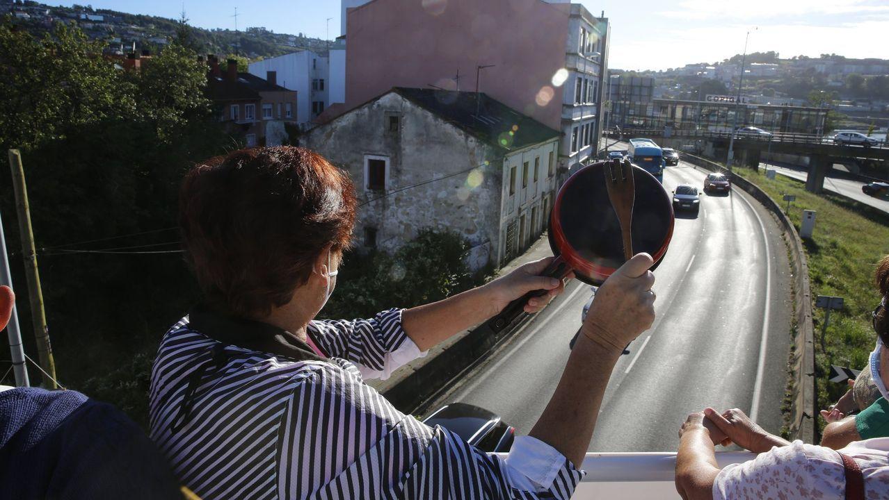 Los equipos con los que empezó Feijoo sus tres mandatos y el Consello con el que llegó al 12J.Protesta contra una vivienda ocupada ilegalmente en Oleiros, en el pasado mes de junio
