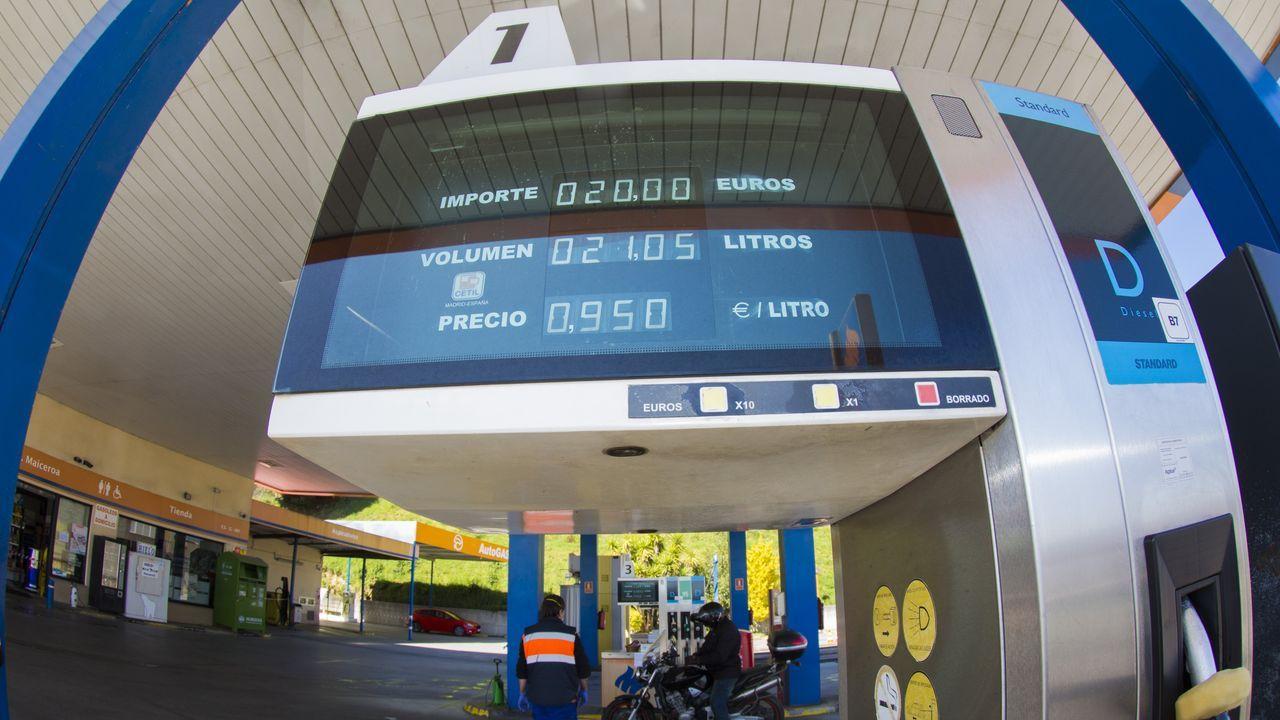 Una gasolinera de Coristanco, con el gasóleo a 95 céntimos.