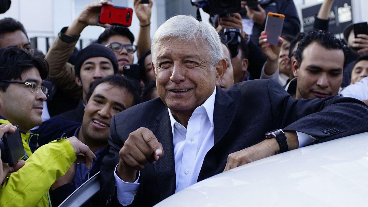 López Obrador votó este domingo por la activista social Rosario Ibarra de Piedra, que no es candidata