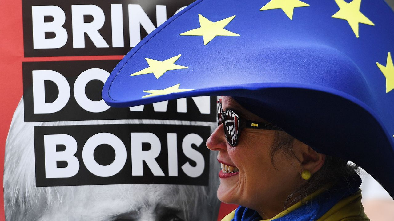El Queen Elizabeth, en A Coruña.«Una falta de acuerdo causará mucho trastorno en Irlanda», afirmó el primer ministro de Irlanda en la rueda conjunta conJohnson