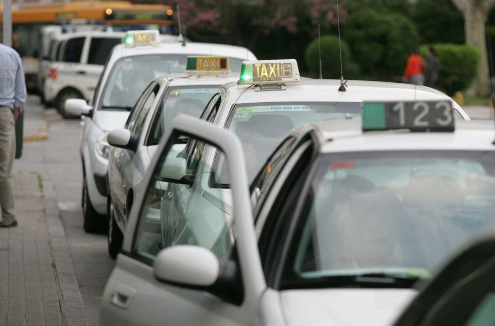 Facua apunta que los taxis de Lugo cobran un suplemento de 0,56 euros desde la estación.
