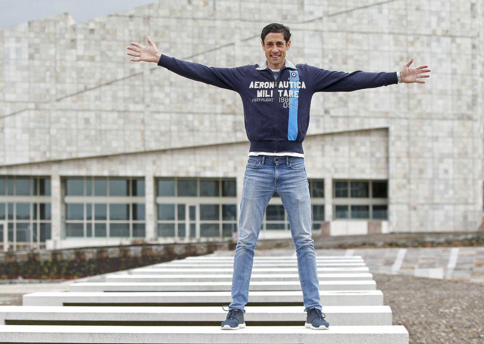 Nimo, onte no Gaiás, após regresar dunha experiencia «nova e positiva» en Acerbaixán.