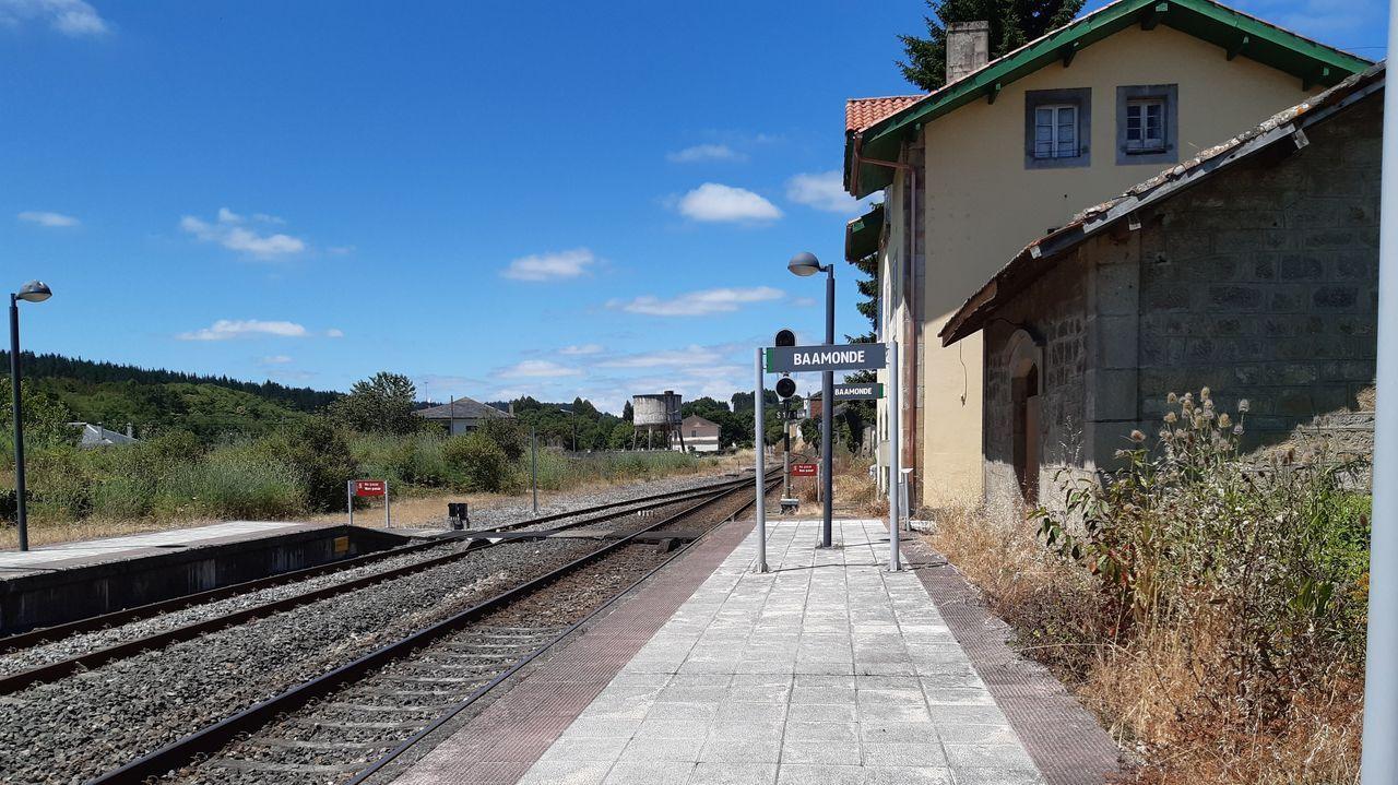 Estación de Baamonde, que a comezos do século XX tiña conexións co norte da provincia polo traballo de empresas de transporte