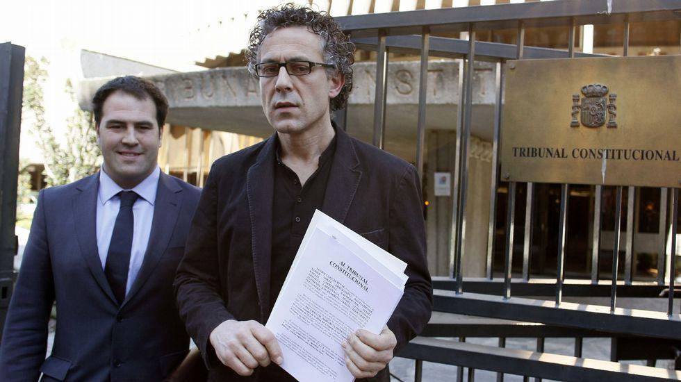 BARGUTIH.El diputado de EH Bildu, Jon Iñarritu, a la izquierda, en el Tribunal Constitucional, en una imagen de archivo