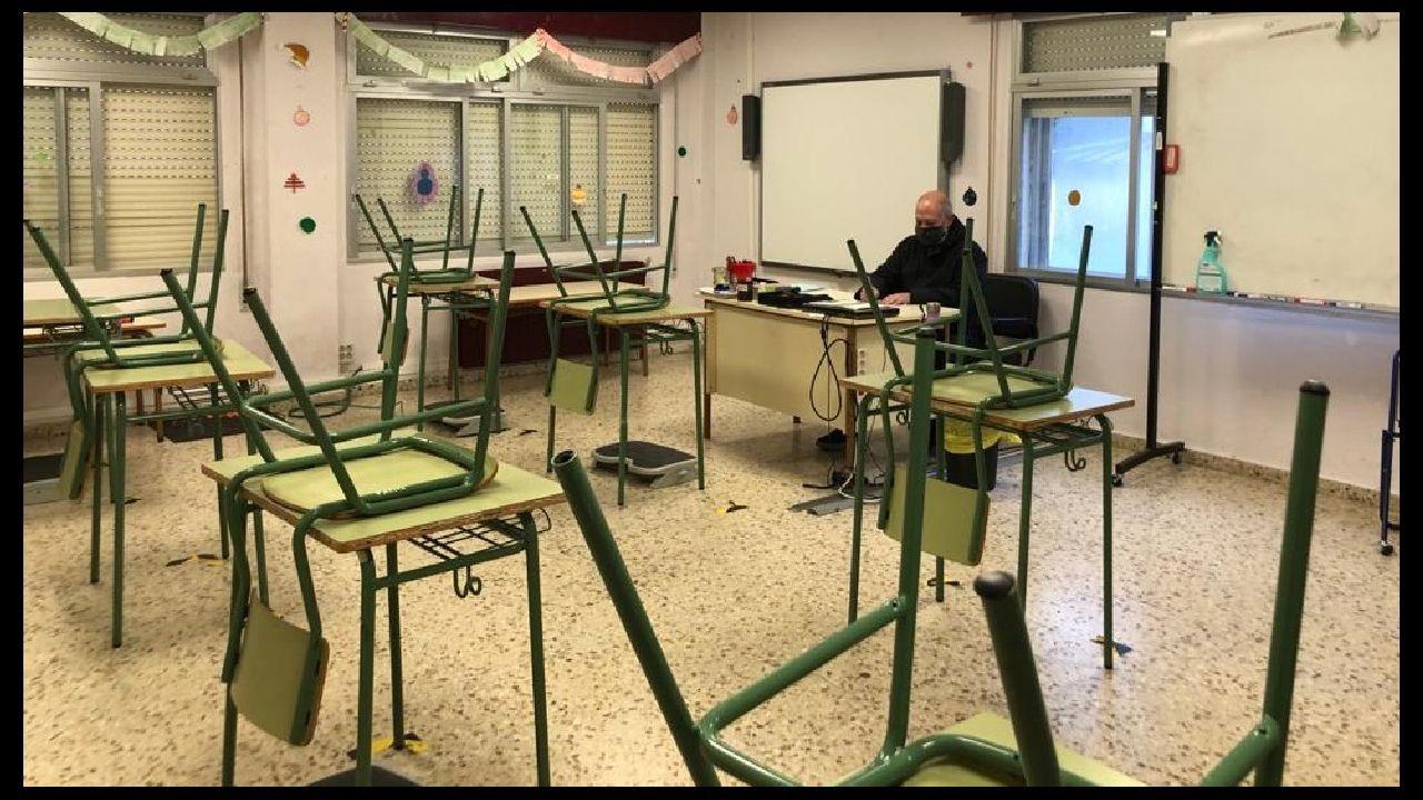 Cribado masivo en Viveiro.Una de las aulas del colegio Poeta Uxío Novoneyra el viernes por la mañana