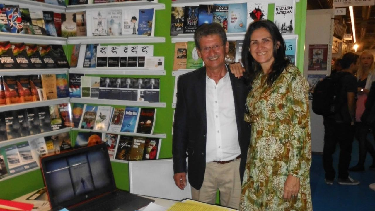 Michael Martin y Susana Menéndez, en la Feria del Libro de Frankfurt