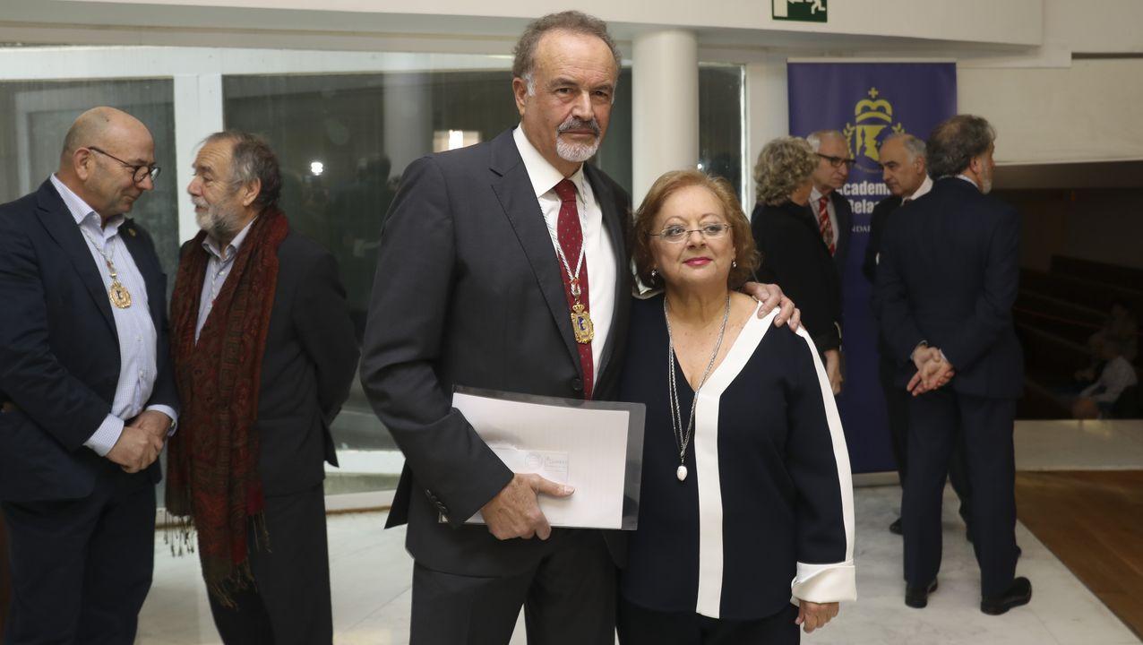 Cristina García Rodero, con el presidente de la Academia, Manuel Quintana Martelo