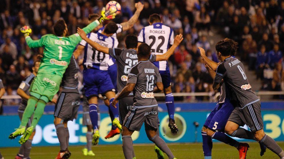 Un momento del partido Deportivo-Celta
