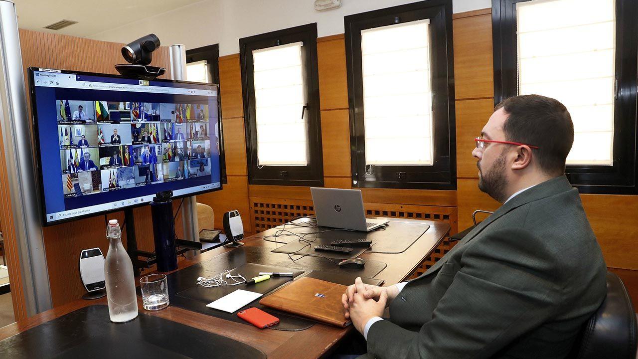 El presidente del Principado, Adrián Barbón, durante la reunión telemática de la Conferencia de Presidentes