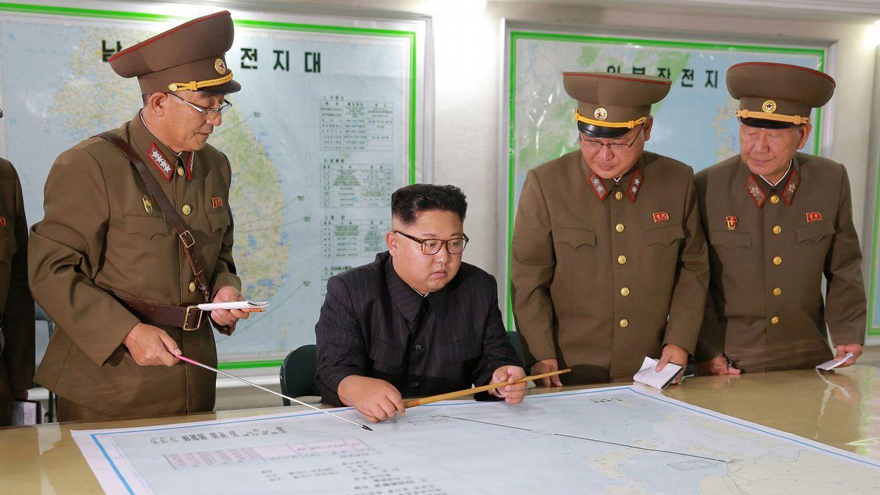 Corea del Norte lanza un nuevo misil que sobrevuela Japón.Kim Jong-Un
