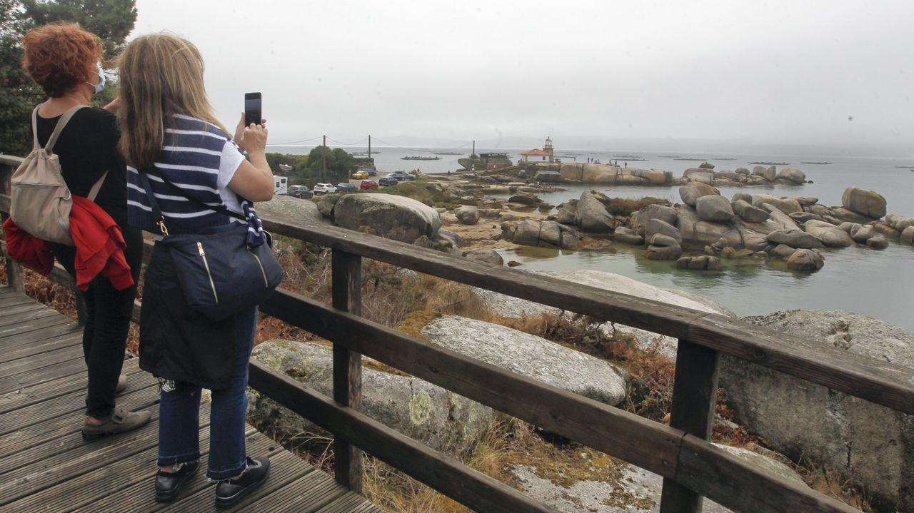Turistas en A Illa de Arousa el verano pasado