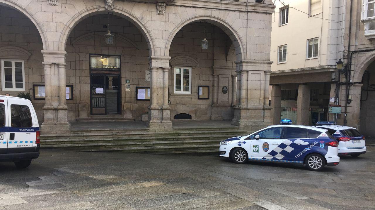 La Policia Local refugió a un indigente en la Casa do Concello de la capital ourensana