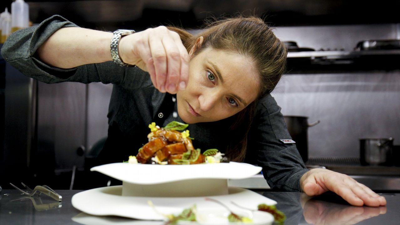 Lucía Freitas, con uno de sus platos