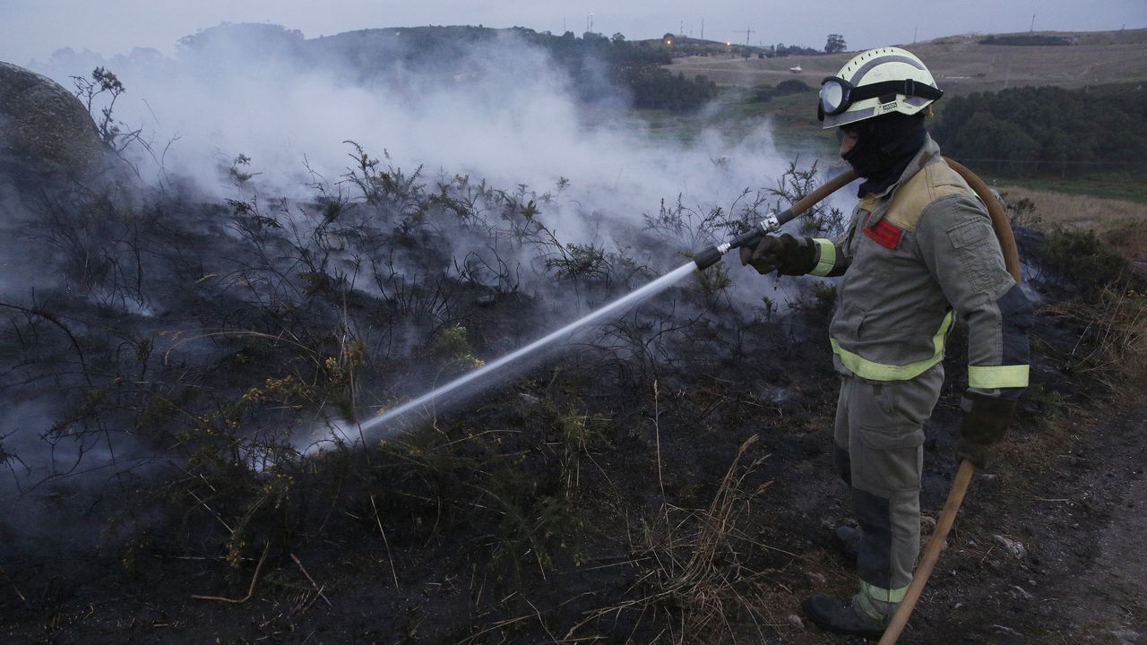 Incendio en Bens y O Portiño