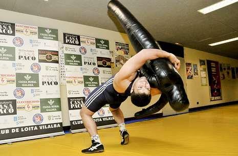 José Cuba, ejercitándose durante un entrenamiento en el Auditorio de Vilalba.