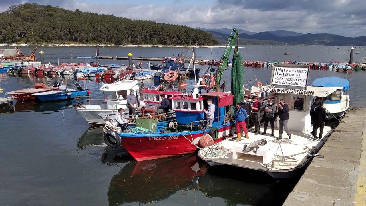 Concentración en el puerto de Carril