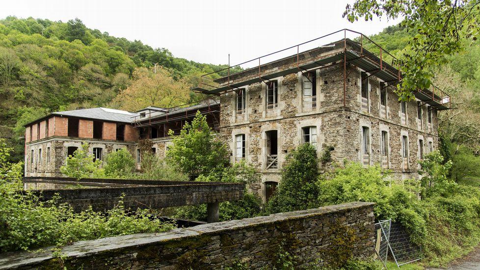 Las obras de reconstrucción del antiguo hotel balneario quedaron paralizadas en el 2005