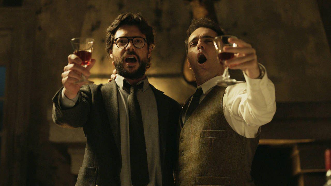 Álvaro Morte y el gallego Pedro Alonso en una imagen de la serie «La Casa de Papel»