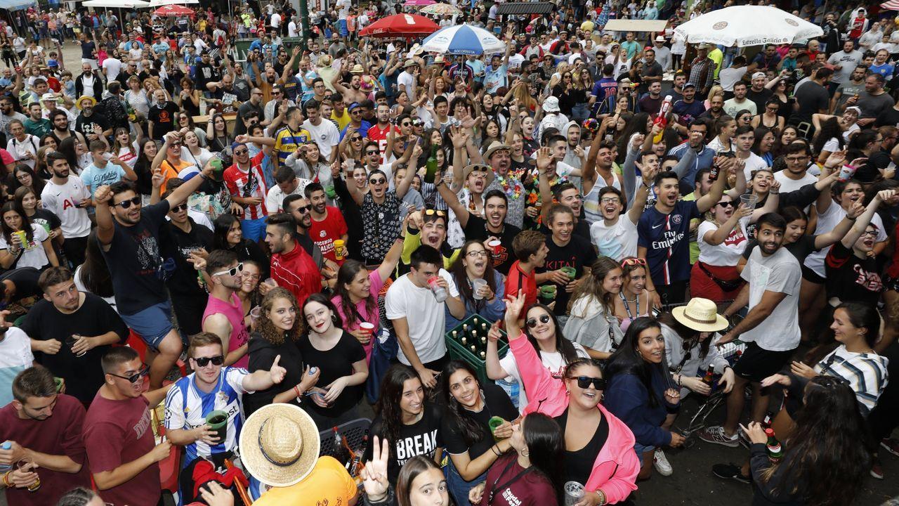 Miles de personas celebran durante cinco días cada agosto la Romaxe do Bo Xantar a orillas del río Landro