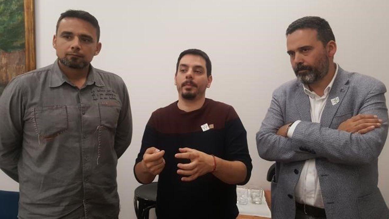 Ignacio Fernández Del Páramo (Somos), Ricardo Fernández (PSOE) e Iván Álvarez (IU)
