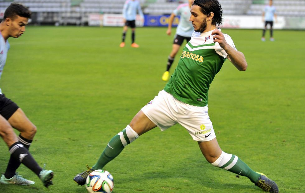 En la goleada ante el Celta B, el Racing ya jugó con Adrián Cruz como media punta y Dani en la banda derecha.