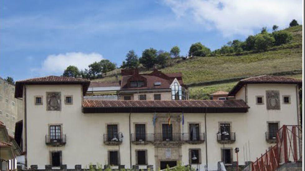 Ayuntamiento de Cangas del Narcea.