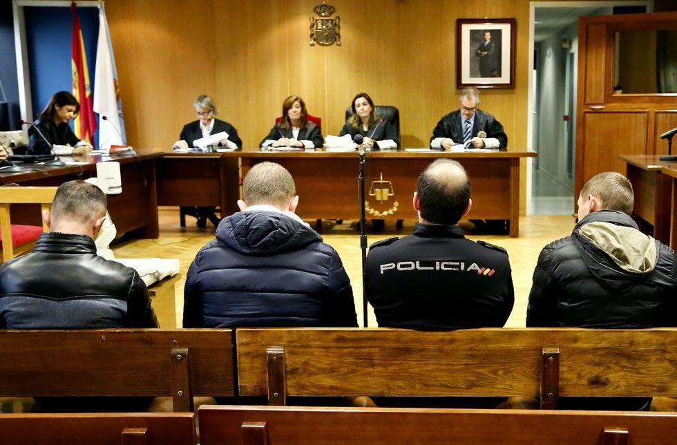 ¿Cómo actúa CrashSafari para reiniciar tu teléfono?.Tres albaneses, en la vista por conformidad ayer en la Quinta Sección de la Audiencia.