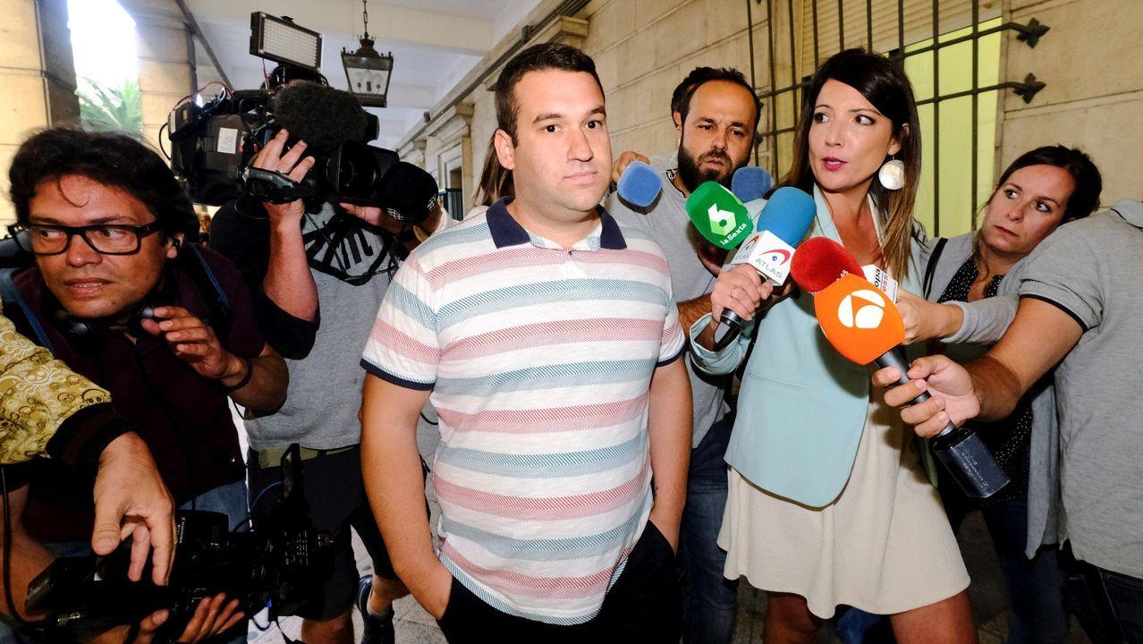 Uno de los miembro de la Manada implicado en el robo de San Sebastián, José Ángel Prenda, en los juzgados de Sevilla